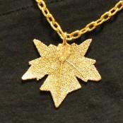Золотистая цепочка подвеска-листик